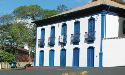 Após reformas, Casa de Drummond será reaberta em Itabira