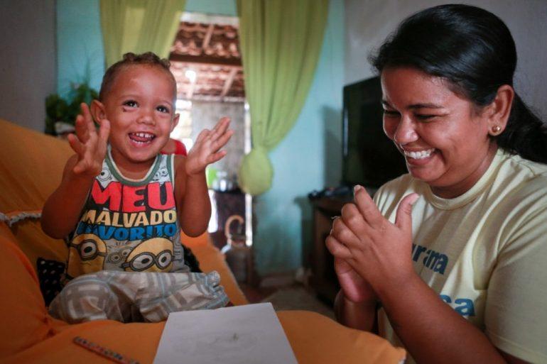 Programa para a primeira infância no Brasil vai beneficiar mais 420 mil crianças