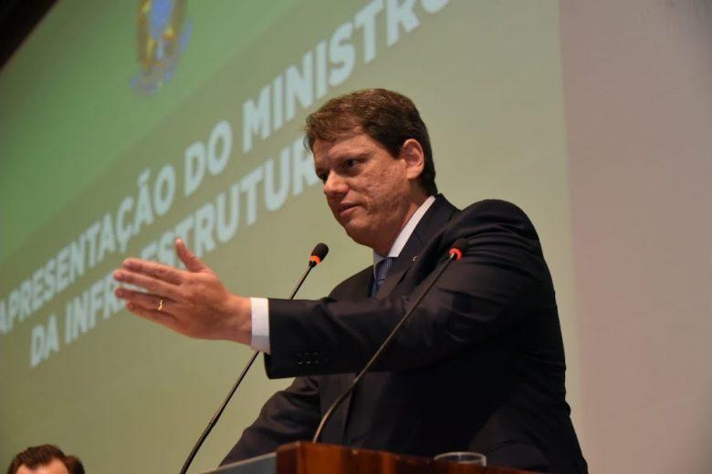 Governo prepara consulta pública para concessão da BR-381