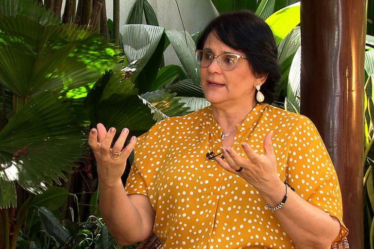 """Damares diz que Brasil enfrenta """"epidemia de suicídio"""""""