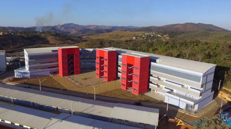 Bloqueios na educação atingem R$ 7,4 bilhões