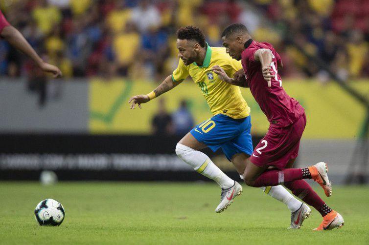 Entorse no tornozelo tira Neymar da Copa América