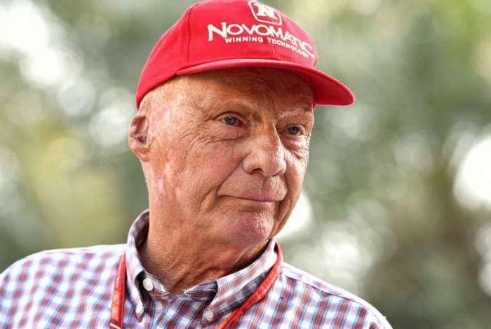 Morre o tricampeão mundial de Fórmula 1, Niki Lauda