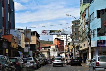 Settran desmente proibição de estacionamento em um lado da Getúlio Vargas