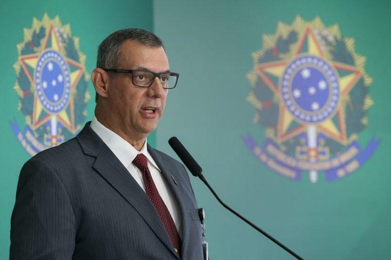 Porta-voz diz que Bolsonaro aceita analisar mudanças em decreto de armas
