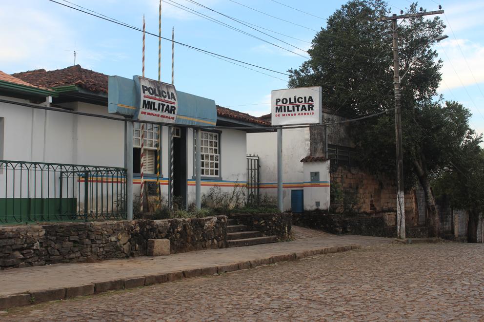 Polícia Civil prende acusado de furtar e colocar fogo no quartel da PM em Catas Altas