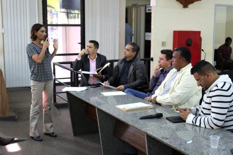 Prefeitura de Itabira mexe em estrutura de cargos e estima lançar concurso público no fim do ano