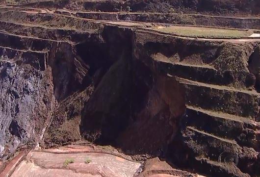 Parte de talude que se desprendeu em Gongo Soco encheria até 6 mil carretas