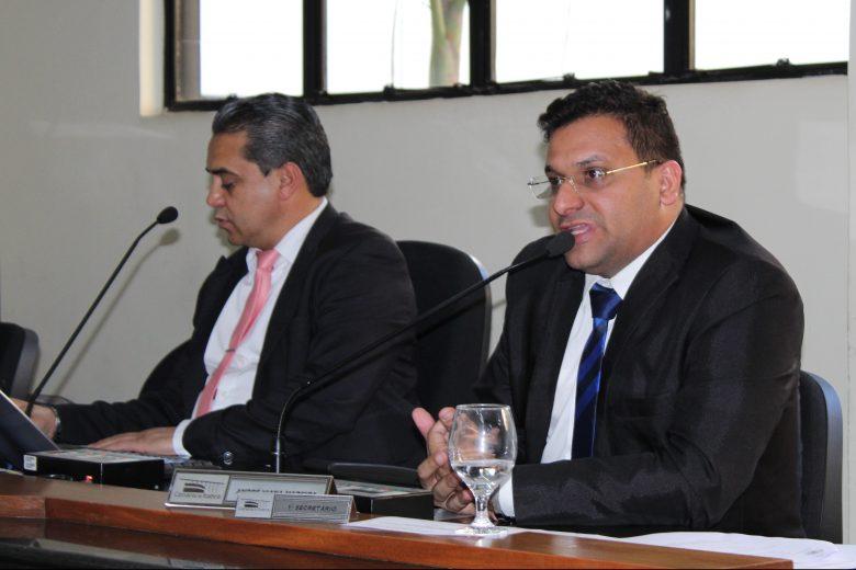 Vereador de Itabira pede moção de aplauso para prefeito de Conceição do Mato Dentro