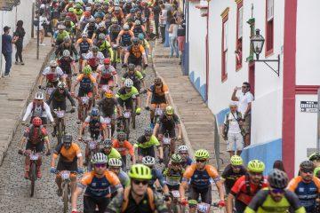 Mariana recebe dois mil ciclistas no Iron Biker Brasil