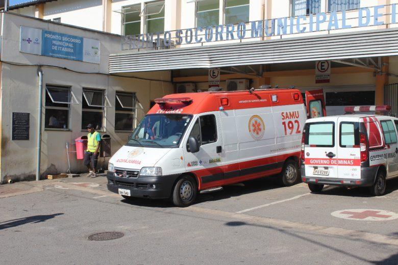 Motociclista tem ferimentos ao bater na traseira de carro no Centro de Itabira