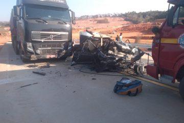 Acidente mata três pessoas na BR-381, em Bom Jesus do Amparo