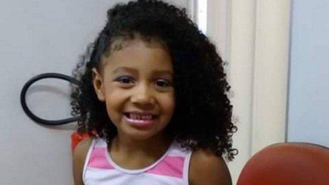 Menina de 8 anos morre durante ação policial no Rio de Janeiro