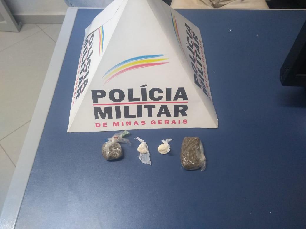 Casal em motocicleta é detido com drogas em Santa Maria de Itabira