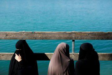 Irã dá primeiros passos para permitir que mulheres frequentem estádios