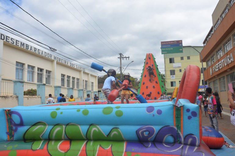 """Dia das Crianças é comemorado com """"Rua de Lazer"""" em São Gonçalo"""