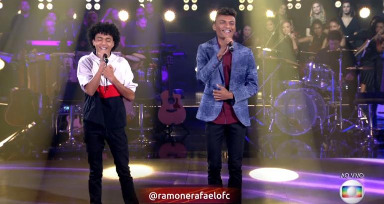 Ramon e Rafael pedem votos para chegar à final do The Voice Brasil