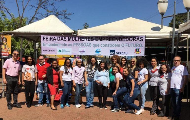 Feira de mulheres empreendedoras abre caminho para moradoras de Barão de Cocais
