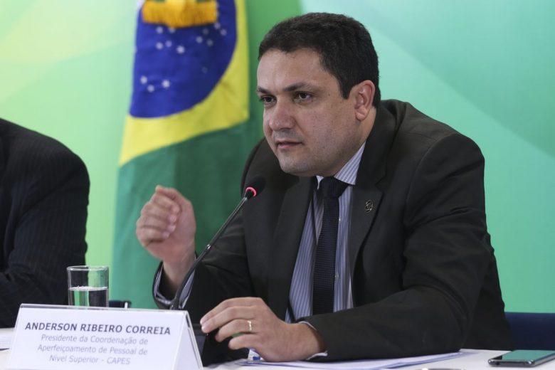 Comissão da Câmara aprova mais R$ 600 milhões para a Capes em 2020