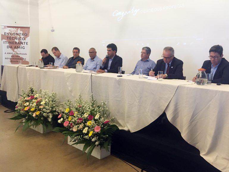 Prefeito de São Gonçalo preside reunião sobre segurança de barragens