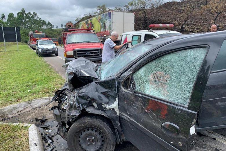 Feriado violento: pelo menos 5 pessoas morrem em rodovias de Minas Gerais