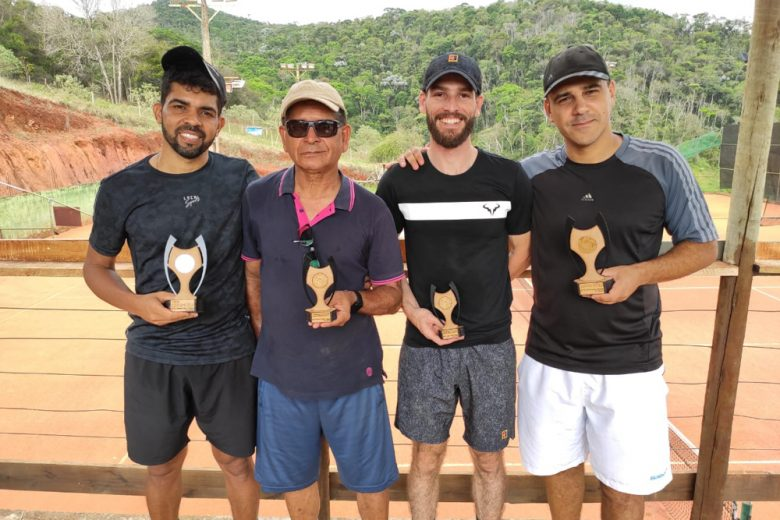 Tenistas de Itabira encerram temporada com torneio final