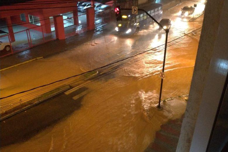 Monlevade continua sofrendo com as fortes chuvas