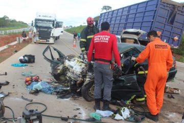 Pai e filho morrem em acidente na BR-381 neste sábado (30)