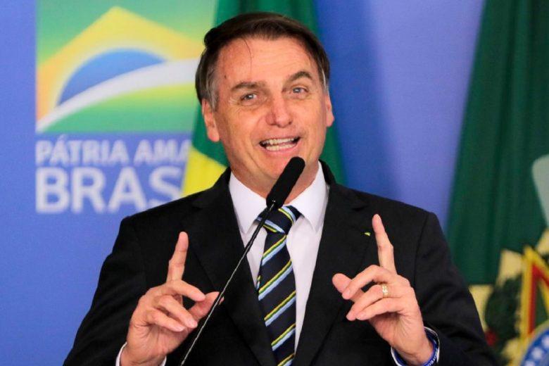 Bolsonaro diz que auxílio emergencial deve voltar em março