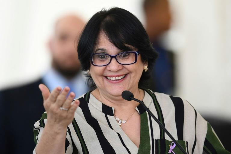 Ministra Damares Alves recebe título de cidadã honorária de Minas Gerais