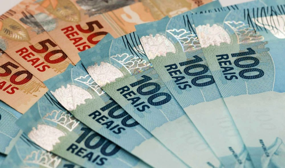 13º salário: veja três formas inteligentes de usar o dinheiro extra