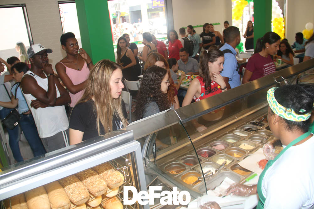 Inauguração da franquia Subway em João Monlevade