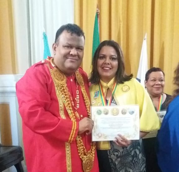 Professora itabirana é homenageada pela Federação Brasileira dos Acadêmicos