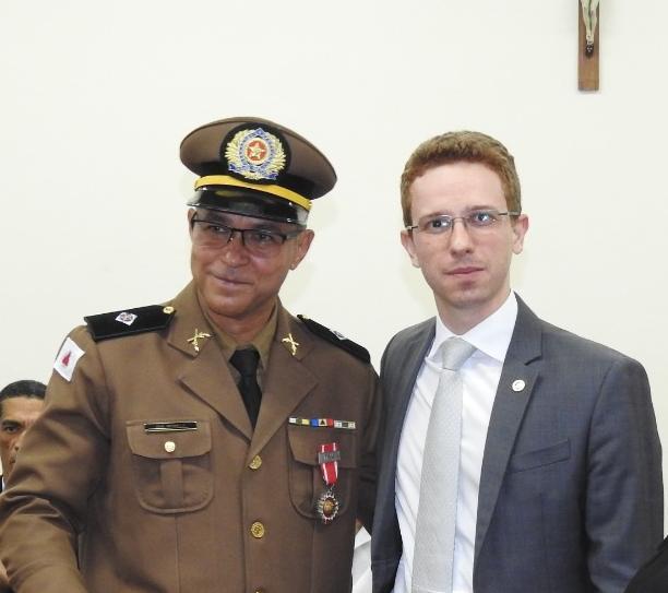 Comandante da PM de Nova Era recebe homenagem do TJMG