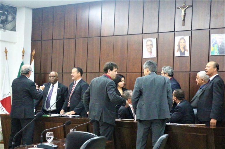 Prefeita de Monlevade se filia ao PTB e dois vereadores mudam para o Democratas