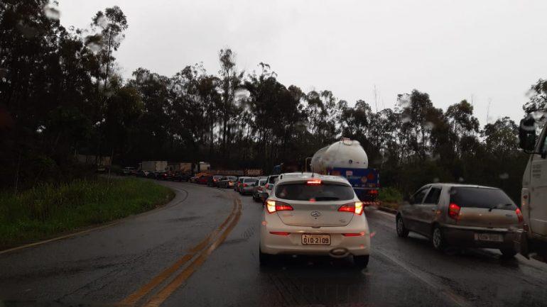 Acidente grave em Bela Vista de Minas mobiliza cinco viaturas do Sevor