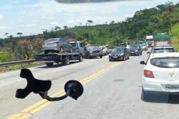Acidente envolvendo seis veículos na BR-381 deixa trânsito lento nesta quarta