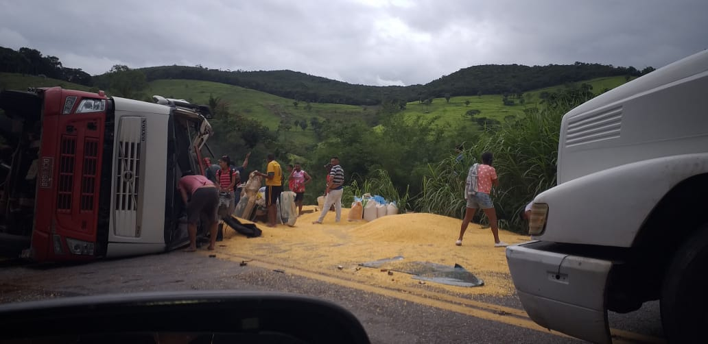 BR-381 é parcialmente interditada após acidente em São Gonçalo