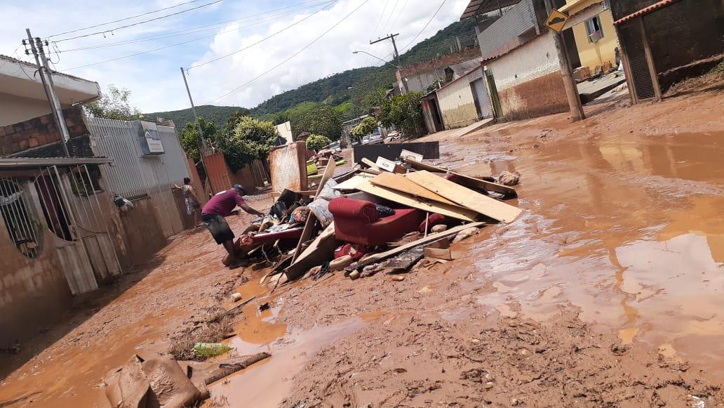 Saiba como ajudar as vítimas das enchentes causadas pelas chuvas na região