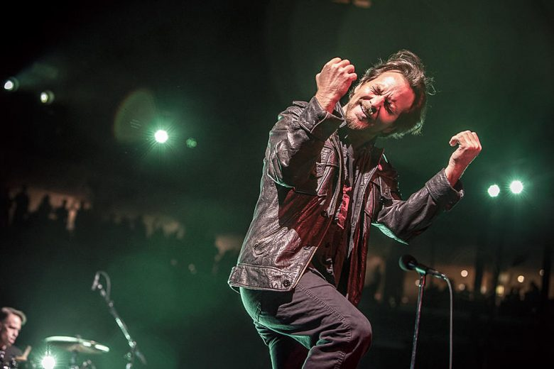 Pearl Jam lança 'Dance of the Clairvoyants', primeira música nova desde 2013