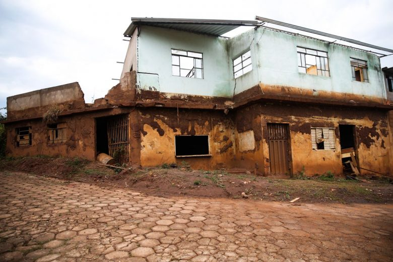 Assessorias a vítimas da lama de Samarco e Vale não saem do papel