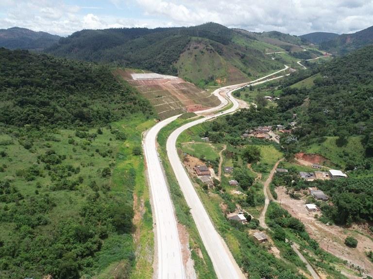 Ministério da Infraestrutura e DNIT liberam 12 quilômetros de pista duplicada da BR-381