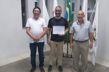 Rotary de Itabira entrega homenagem a Ronaldo Silvestre por trabalho no ITI