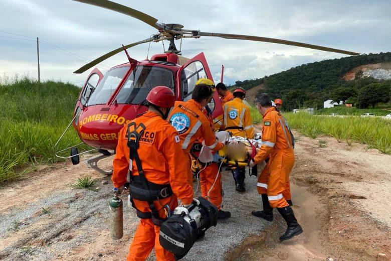 Acidente grave na BR-381 interdita trânsito e deixa três pessoas feridas
