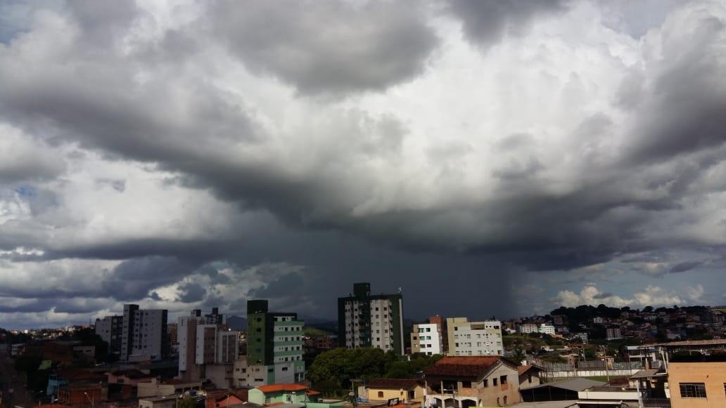 Instituto de Meteorologia emite alerta de chuvas intensas para Itabira e região