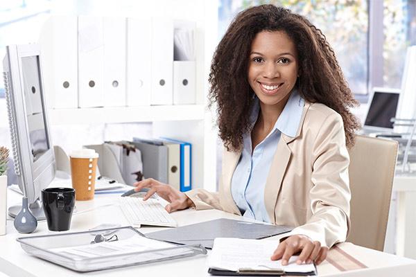 Instituição de ensino contrata auxiliar administrativo (a)