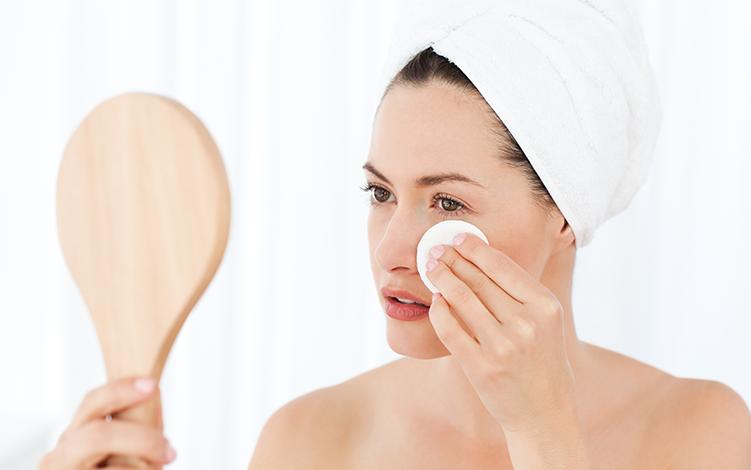 O poder dos dermocosméticos e antioxidantes no cuidado com a pele