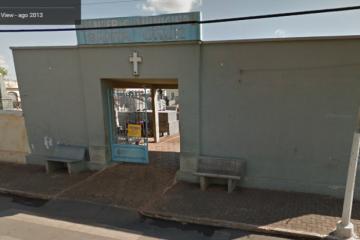 Prefeitura indeniza moradora por confusão em cemitério
