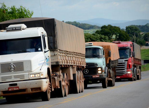 Veículos pesados terão restrição de tráfego nas rodovias durante o carnaval