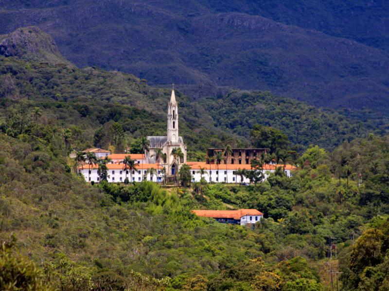 Santuário do Caraça suspende visitação aos finais de semana